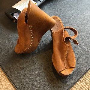 Italian Brown Leather Stud Heels